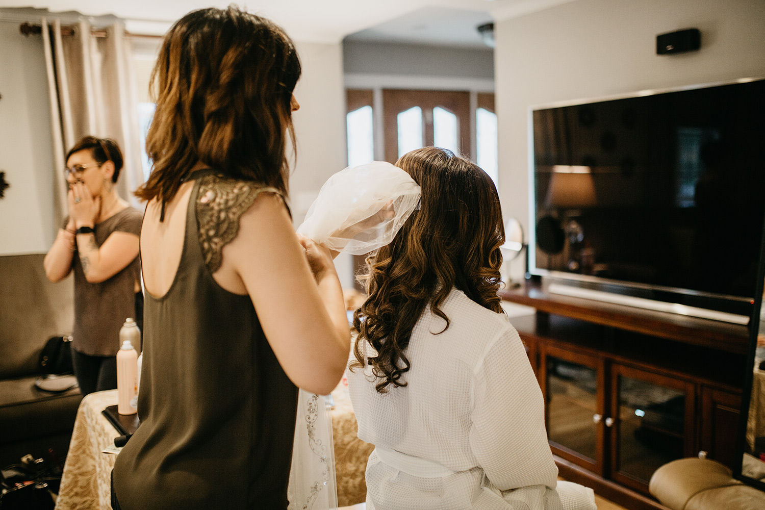 bride getting ready | boston documentary wedding photographer
